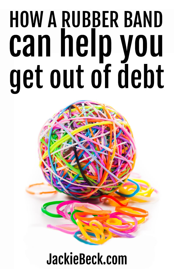 Using this rubber band reminder method to help get out of debt is so simple!